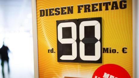 Ein Tipper aus Bayern hat den mit 90 Millionen Euro gefüllten Eurojackpot geknackt.