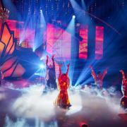 """Bei Let's Dance – Die große Profi-Challenge"""" treten heute am Freitag, den 29.5.20, die Profitänzer gegeneinander an. Alle Infos zur Show gibt es hier in der Vorschau."""