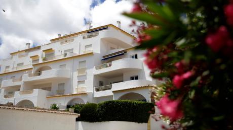Aus dieser Ferienanlage im portugiesischen Praia da Luz ist die dreijährige Maddie vor 13 Jahren verschwunden.