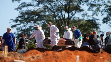 Brasilien hat die Marke von einer Million Infizierten durchbrochen.