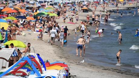 Badebetrieb amTimmendorfer Strand.