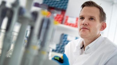 Professor Hendrik Streeck, Direktor des Institut für Virologie an der Uniklinik in Bonn.