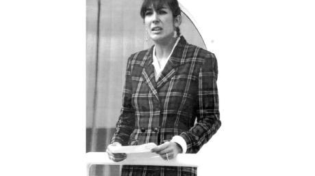 """Ghislaine Maxwell, Tochter des verstorbenen britischen Verlegers R. Maxwell, an Bord der """"Lady Ghislaine""""."""