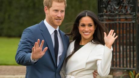 Der britische Prinz Harry und Meghan Markle nach der Bekanntgabe ihrer Verlobung.