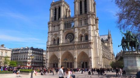 Die Kathedrale Notre-Dame de Paris - aufgenommen vor dem Brand im April 2019.