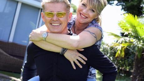 Markus Mörl, Neue-Deutsche-Welle-Star, und seine Freundin Yvonne König, ebenfalls Schlagersängerin.