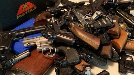 Schätzungsweise 35 Millionen Waffen ins illegal in der EU im Umlauf.