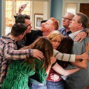 """""""Modern Family"""" geht mit Staffel 11 auf Sky weiter. Hier gibt es die Infos rund um Start, Folgen, Handlung, Trailer und Besetzung."""