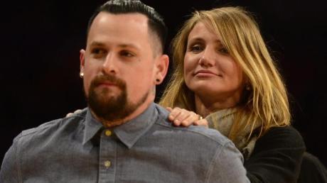 Die US-Schauspielerin Cameron Diaz steht hinter ihrem Mann, dem Musiker Benji Madden.