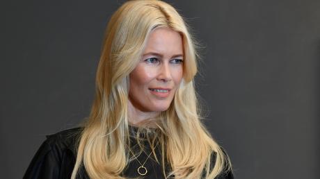 """Claudia Schiffer darf sich jetzt auch noch """"Frau des Jahres"""" nennen."""