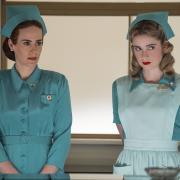"""Sarah Paulson spielt in """"Ratched"""" eine der Hauptrollen. Start, Cast, Handlung, Folgen - hier die Infos zu Staffel 2."""