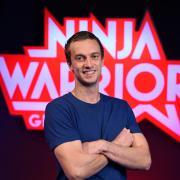 """Alexander Wurm ist auch bei Ninja Warrior 2020 als Kandidat dabei. Er war der """"Last Man Standing"""" 2018 und 2019. Hier sehen Sie eine Übersicht aller Teilnehmer von Staffel 5."""