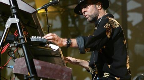 Manfred Mann bei einem Konzert 2005 in Köln.