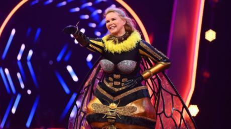 Schauspielerin Veronica Ferres im Bienenkostüm.
