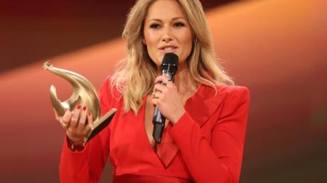 """Sängerin Helene Fischer hat während der Fernsehgala """"Goldene Henne"""" die Goldene Henne in der Kategorie Entertainment erhalten."""