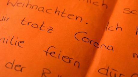 Der Brief eines Kindes, in dem es sich wünscht, trotz Corona mit der Familie Weihnachten zu feiern.
