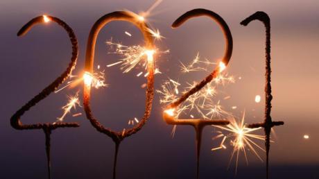 Auf das neue Jahr setzen viele große Hoffnungen. Welche, das haben uns Passanten in unserer Umfrage in Illertissen erzählt.