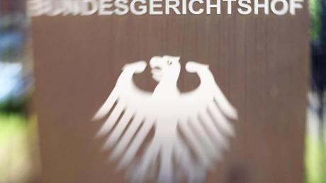 Der Bundesgerichtshof in Karlsruhe verhandelt über das Urteil gegen einen 24-Jährigen. Er soll in Dillingen einen Dreijährigen tödlich verletzt haben.