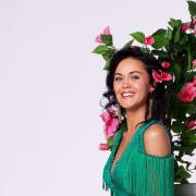 """""""Let's Dance"""" 2021: In diesem Artikel finden Sie ein Porträt der Sängerin Vanessa Neigert."""