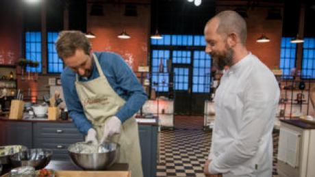"""""""Das große Promibacken"""" 2021 mit Daniel Boschmann und Christian Hümbs. Hier finden Sie Infos zur Live-Übertragung im TV und Stream."""
