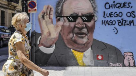 """Dieses Graffito zeigt, was viele Spanier heute von Juan Carlos halten. Auf der Aufschrift steht: """"Jungs, ihr bekommt später eine Überweisung""""."""