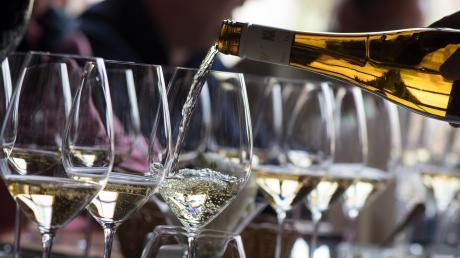 Es gab einen jahrelangen Streit zwischen den Schweizer Winzern und dem mächtigen Wirtschaftsverband der französischen Champagner-Produzenten.