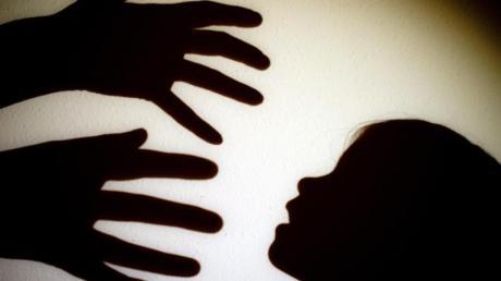 Sexueller Missbrauch von Kindern wird künftig härter bestraft.
