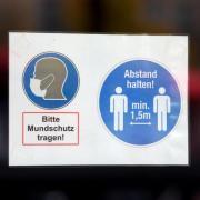 Bei einer Demonstration in Weißenhorn trugen nicht alle Teilnehmer Masken. Das vorgelegte Attest eines Teilnehmers wird nun überprüft.