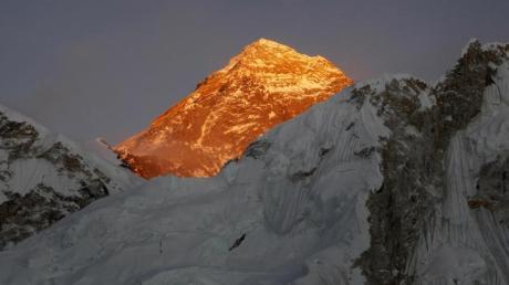 Viele Leichen werden nie vom Mount Everest geborgen.