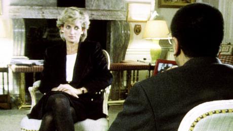 Prinzessin Diana 1995 im Gespräch mit BBC-Reporter Martin Bashir. Die Rundfunkanstalt hat die Vorgänge rund um das Gespräch nun untersuchen lassen.