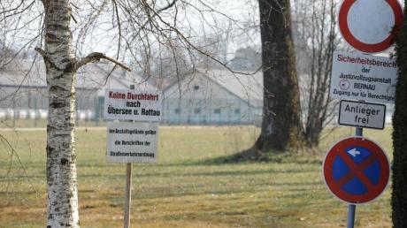 Blick auf die Justizvollzugsanstalt in Bernau am Chiemsee.