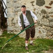 """Ioannis Amanatidis is Kandidat bei """"Die Alm"""". Mehr zu Alter, Wohnort und Beruf lesen Sie hier im Porträt."""