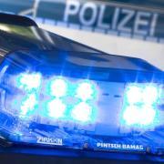 Ein betrunkener 20-Jähriger wurde von der Polizei kontrolliert und musste seinen Autoschlüssel abgeben. Doch wenig später entdeckten die Beamten den Mann erneut hinter dem Steuer.