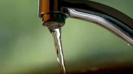 Aktuell sollen Bürgerinnen und Bürger der Gemeinden Penzing, Schwifting, Pürgen und Weil möglichst kein Wasser aus der Leitung verbrauchen.