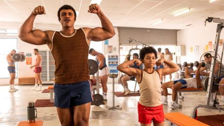 """Young Rock"" erzählt die Geschichte des jungen Dwayne ""The Rock"" Johnson. Start, Folgen, Besetzung, Trailer, Handlung - alle Infos gibt es hier."