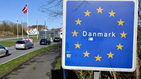 Ein Radfahrer wurde an der dänischen Grenze von der Polizei gestoppt.