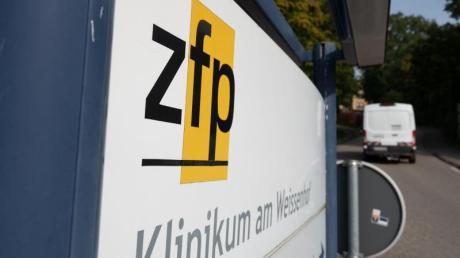 Das Eingangsschild der Psychatrischen Klinik am Weissenhof.