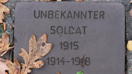Anonymes Grab: Am Volkstrauertag wird der Opfer von Krieg und Gewaltherrschaft gedacht. Foto: Wolfgang Kumm