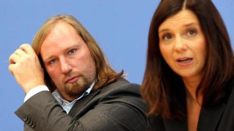 Anton Hofreiter und Katrin Göring-Eckart führen die Grünen-Fraktion imBundestag. Sie kritisieren, dass Gelder für sozial Schwache nicht sofort ausbezahlt werden.