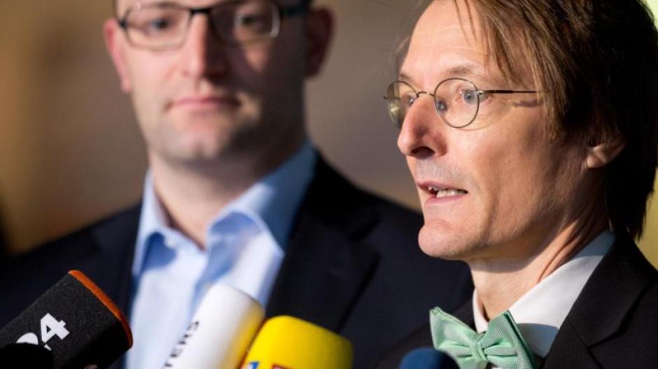 Parteien Union Und Spd Einig Uber Versicherungsbeitrage Augsburger Allgemeine
