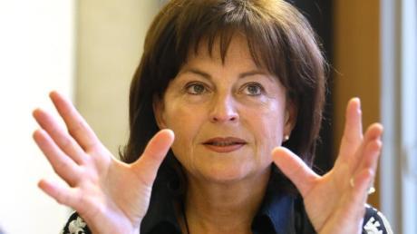 Die Bundesdrogenbeauftragte Marlene Mortler nimmt neuen Anlauf für ein umfassendes Verbot von Zigarettenreklame. Foto: Stephanie Pilick