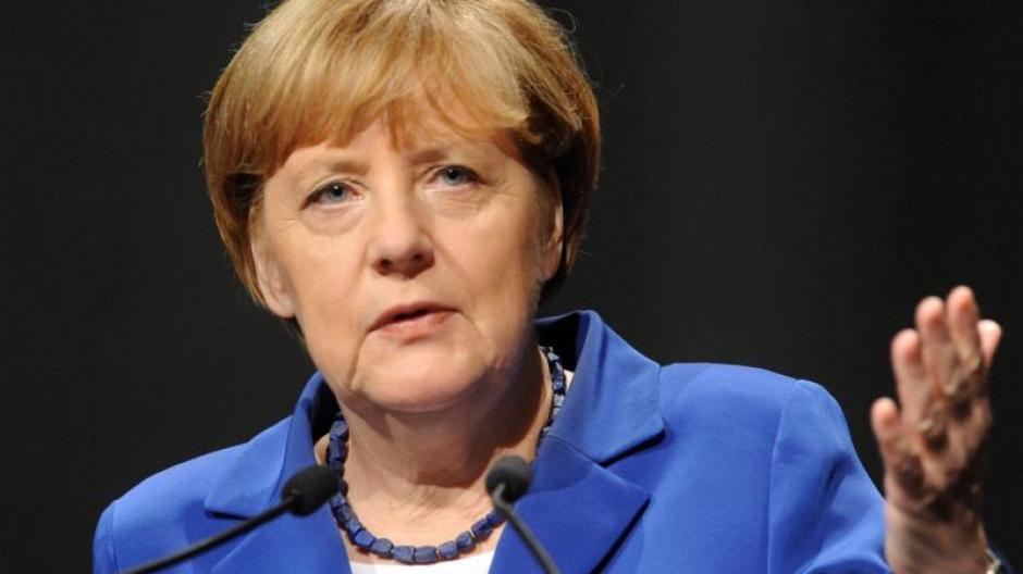 zu Füßen bei suche nach neuesten Neueste Mode Besonderes Telefonat: Angela Merkels Anruf bei den Toten ...