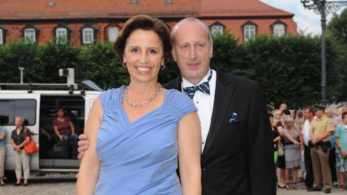 Christine haderthauer nach modellbau aff re haderthauer bittet um zweite chance nachrichten - Mobel um augsburg ...