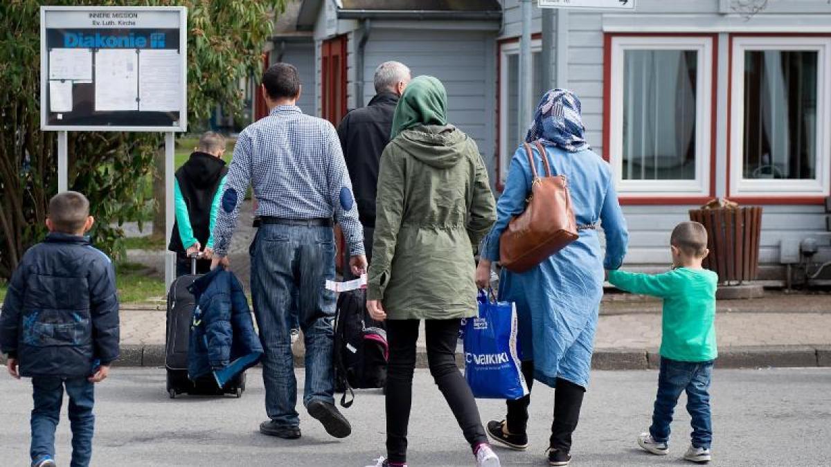 migration zwei linienmaschinen mit syrischen fl chtlingen gelandet politik aktuelle politik. Black Bedroom Furniture Sets. Home Design Ideas
