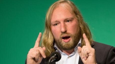 Grünen-Fraktionschef Anton Hofreiter begrüßt Andres Scheuers Vorstoß für günstigere Bahnpreise.
