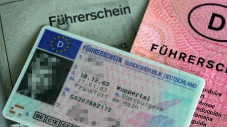 Etwa 25 Euro werden für jeden Führerschein-Umtausch fällig. Bis 2033 werden viele Führerscheine ungültig.