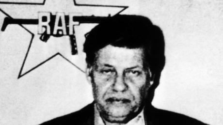 Der entführte Arbeitgeberpräsident Hanns Martin Schleyer unter dem Logo der RAF. Foto:UPI