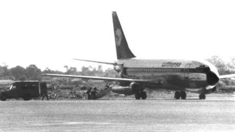 """Das am 13. Oktober 1977 entführte Flugzeug """"Landshut"""" nach der Landung in Mogadischu."""
