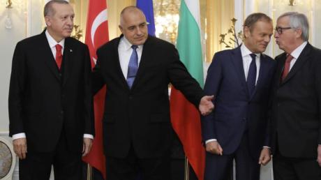 Erdogan (l-r), Präsident der Türkei, Borissow, der Ministerpräsident von Bulgarien, Tusk, EU-Ratspräsident und Juncker, Präsident der Europäischen Kommission, vor ihrem Treffen.