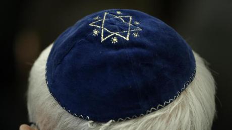 Der Antisemitismus in Bayern nimmt stark zu. Auch bei Corona-Demos kam es zu judenfeindlichen Äußerungen.